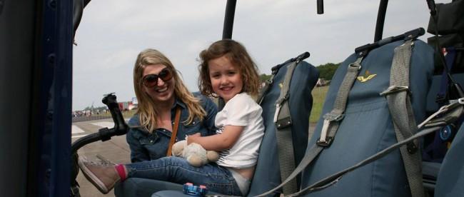 Julie in de helikopter